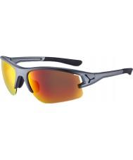 Cebe Cbacros6 a través de las gafas de sol grises