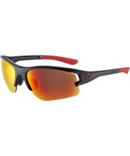 Cebe Cbacros7 a través de las gafas de sol negras